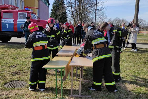 Районный слёт клубов юных спасателей-пожарных прошёл в Толочине (+фото)