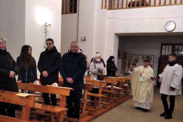 В Пасхальную ночь в костёле св. Антония в Толочине состоялось праздничное богослужение