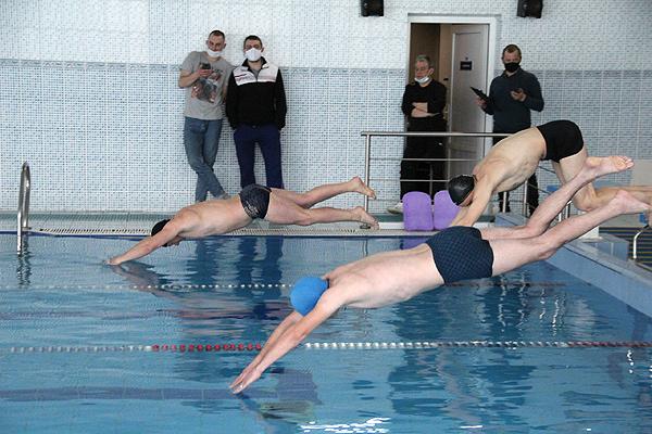 Определены лучшие пловцы Толочинского района