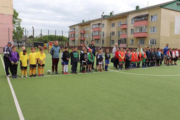 Призы от Георгия Кондратьева разыграли в Толочине юные футболисты (+фото)