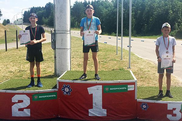 На счету юных толочинцев две медали областного первенства по летнему биатлону
