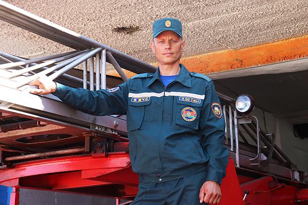 Виталий Зубовский: Более 20 лет за рулём пожарной автоцистерны пожарного аварийно-спасательного поста в Коханово