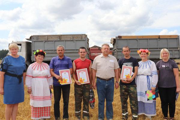 Количество тысячников на полях толочинского консервного завода увеличилось (+фото)