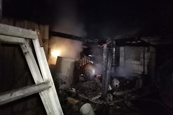 В деревне Гречихи сгорел сарай