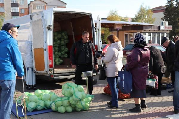 В Толочине прошла традиционная осенняя ярмарка (+фото)