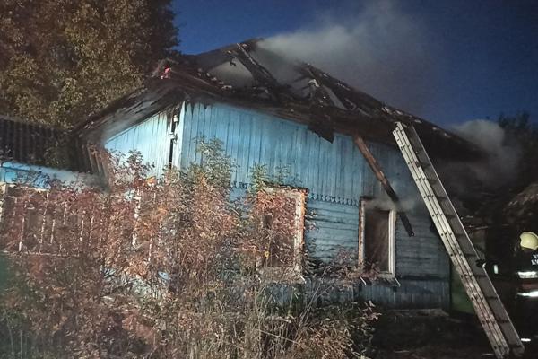 Дом и сарай повреждены огнём в Озерцах