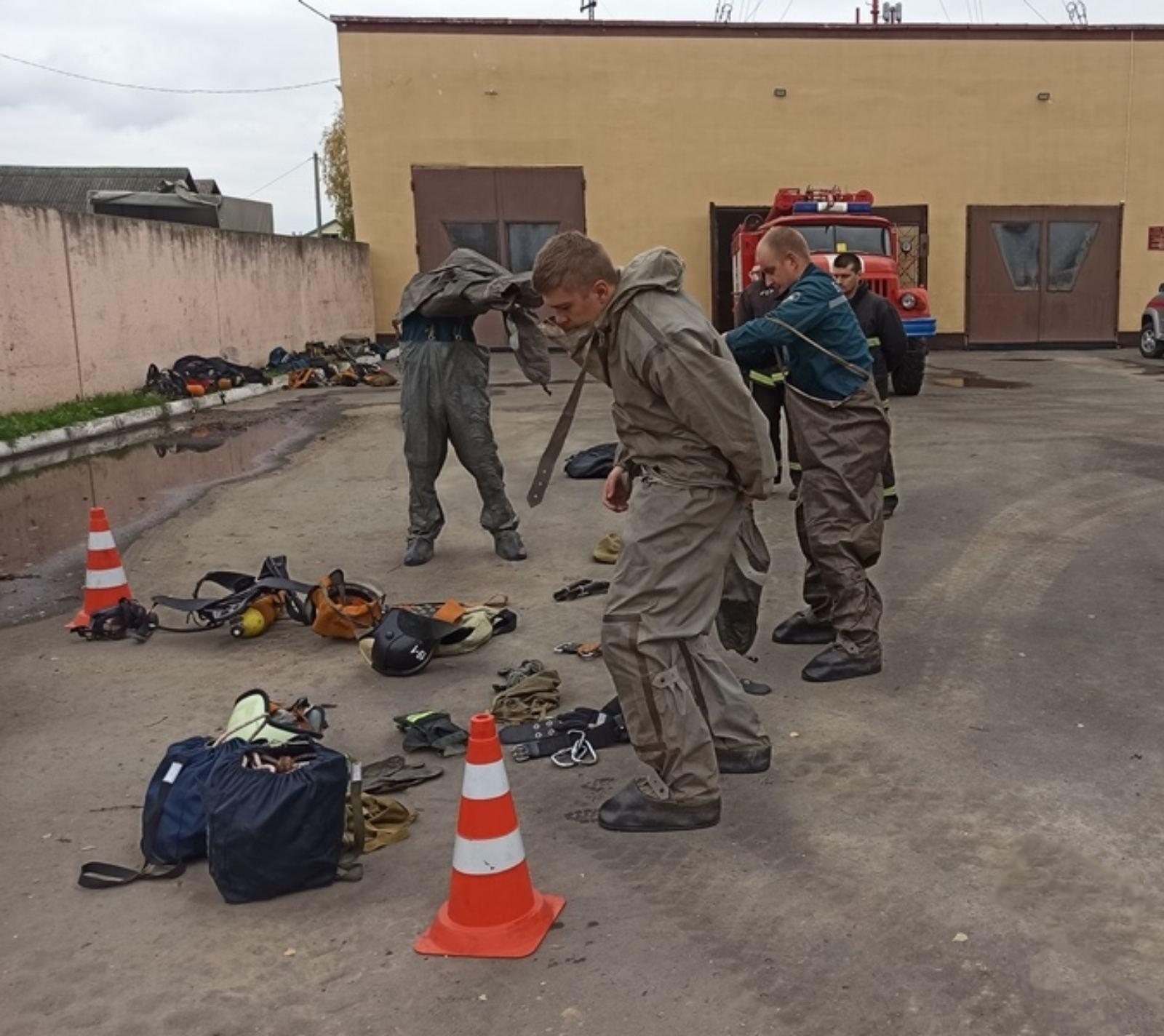В зональных соревнованиях «Лучшая дежурная смена МЧС области» приняли участие Толочинские спасатели